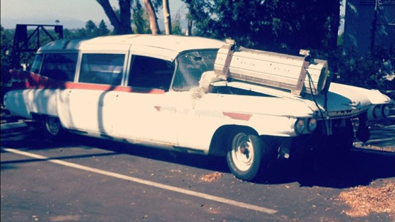Help These Ghostbusters Fans Buy And Restore Ecto 1a