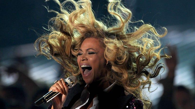 Beyoncé Crashed Someone's Karaoke While They Were Singing Beyoncé