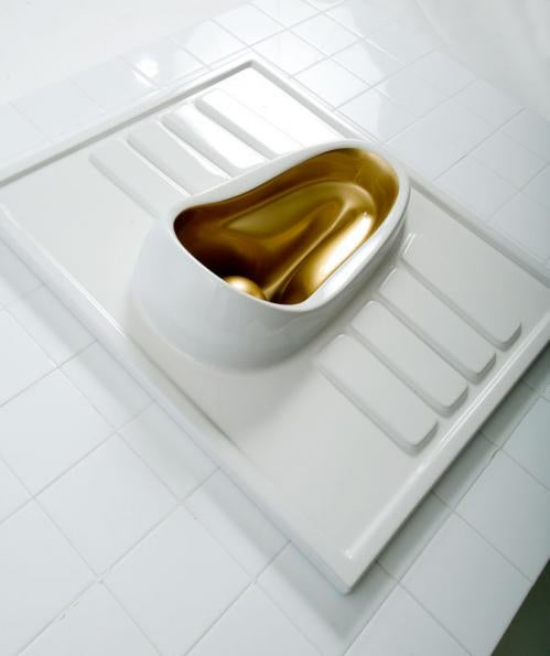 Peeandgo, The Lady Urinal with a Splash of Gold