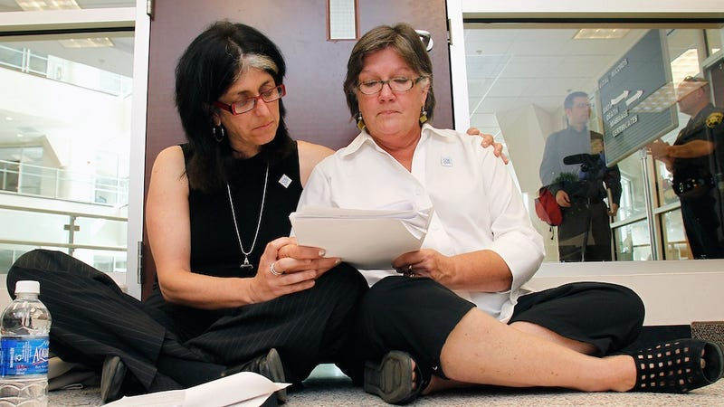 North Carolina Continues Assy Streak by Arresting Lesbian Applying for Marriage License
