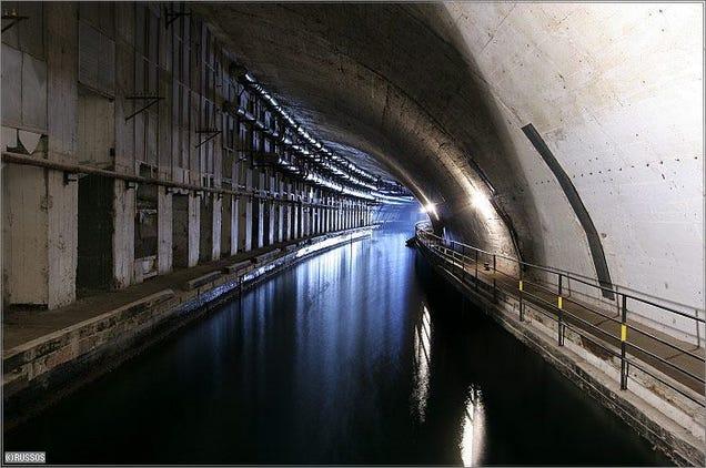 El distópico mundo de las bases de submarinos abandonadas 805315682156951981