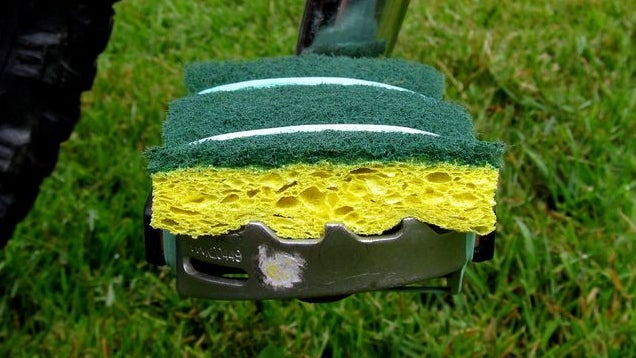 Ride Your Bike Comfortably Using an Old Sponge on the Pedals