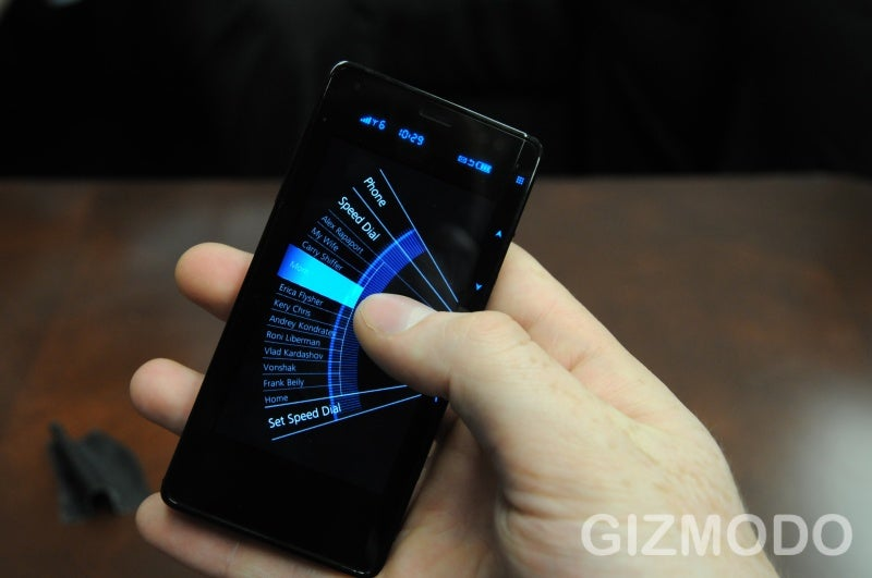 Hands On With the Else Emblaze Smartphone: Welcome to the Retrofuture