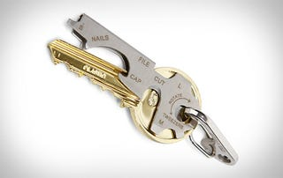 Sneak this $10 Keychain Tool Onto a Flight for Mid-Air Screwdrivering