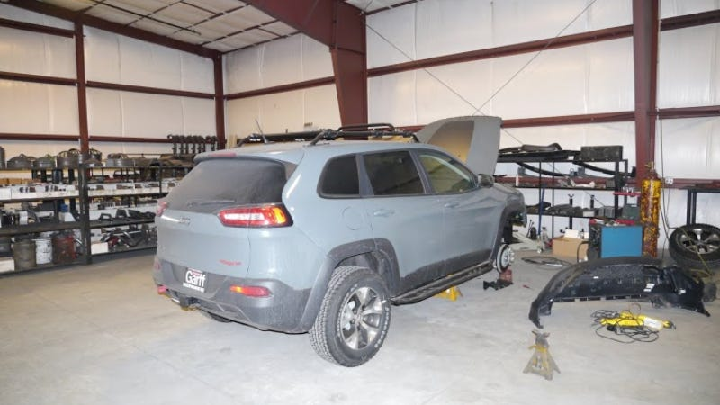 A Reader Spied The 2014 Jeep Cherokee 'Off-Road Parts Prototype'