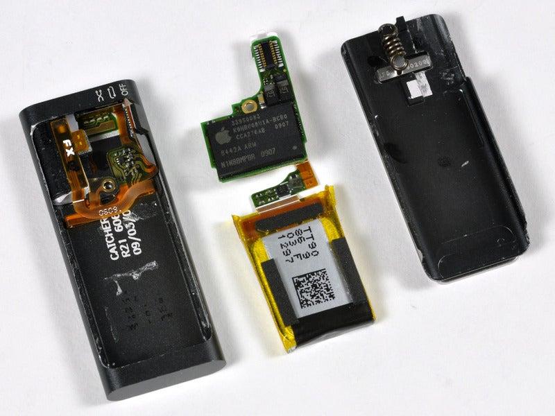 iPod Shuffle Teardown Confirms It's Tiny on the Inside, Too