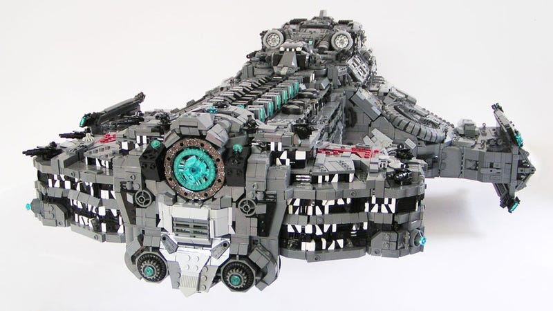 LEGO StarCraft Battlecruiser is Terrifyingly Detailed