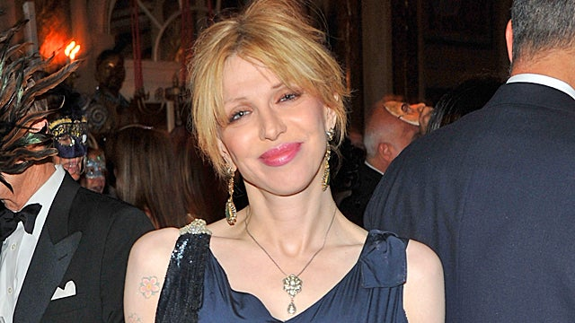 Courtney Love Storms Back to Twitter