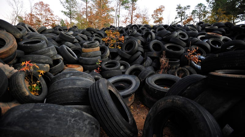 America's Great Wall Is a Mound of Tires in South Carolina