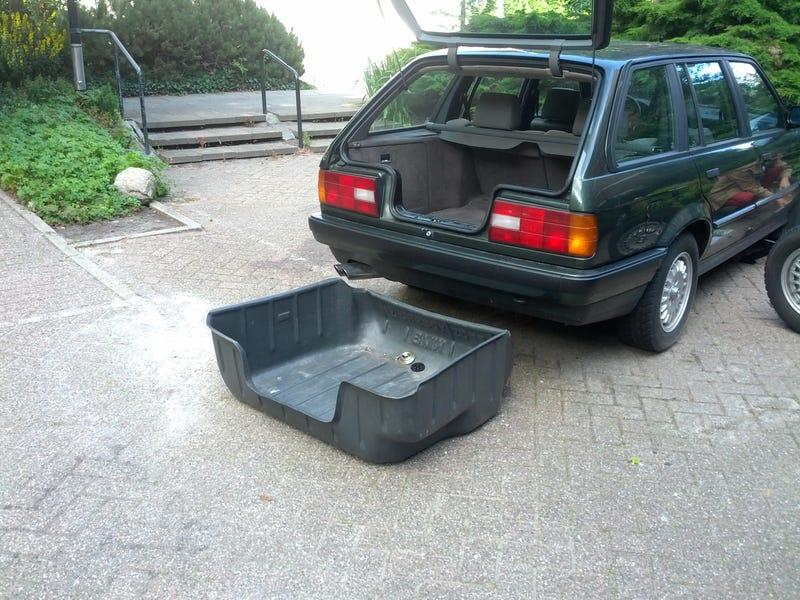 BMW E30 Touring update