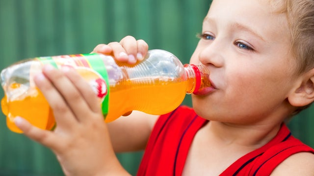Breaking: Drinking Sugary Sodas Makes Kids Gain Weight