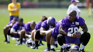 Adrian Peterson Gives In, Will Report To Vikings Practice