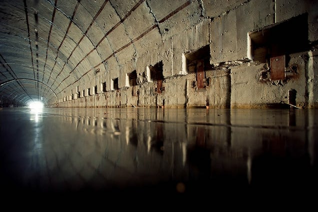 El distópico mundo de las bases de submarinos abandonadas 805315685292706221