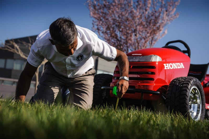 Watch And Hear Honda's 1000cc Lawn Mower Hit 130 MPH