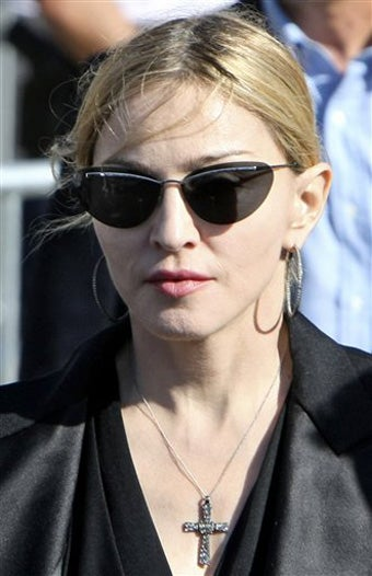 Madonna's Mission In Brazil; Lindsay's Relationship With Heath Ledger