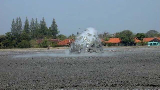 Inside the mysterious mechanics of a mud volcano