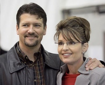 Todd Palin Mostly Hangs Around the House, Threatening People