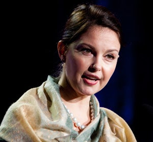 Ashley Judd Not Into Sarah Palin; Senate Not Into Daschle's Tax Issues