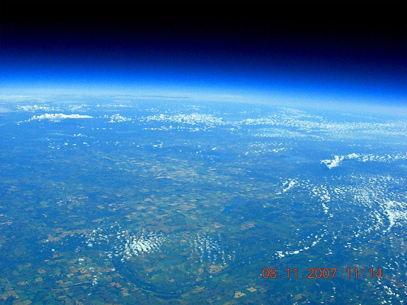 Ordinary Guys Send Picture-Taking Balloon 22.27 Miles High