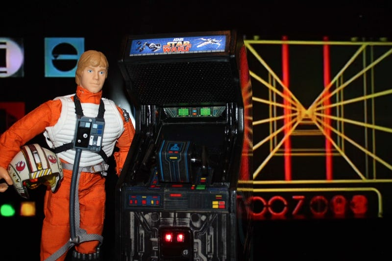 This 12-Inch Replica of Star Wars Arcade Actually Works, Unlike Luke