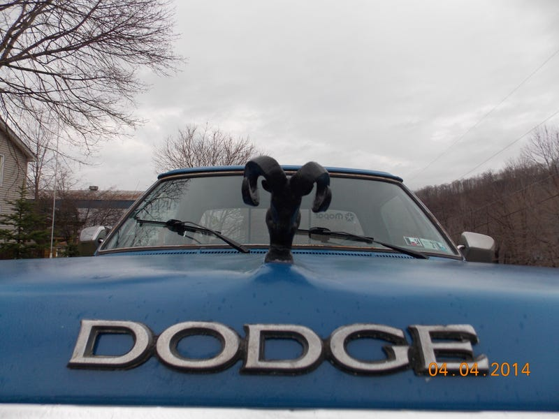1989 Dodge D250: The Unofficial Review of Dubious Credibility