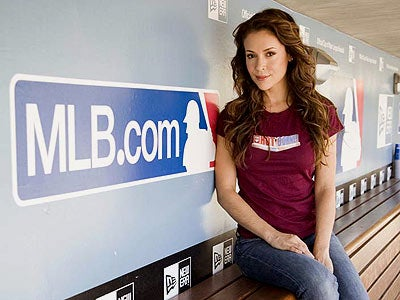 Afternoon Blogdome: Alyssa Milano Intends To Shed Her Baseball Player-Dating Past Forever