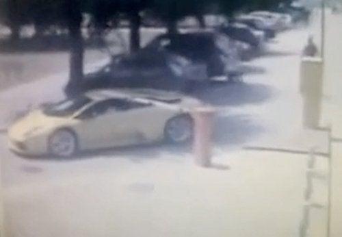 Lamborghini Murcielago: Low Enough To Park For Free