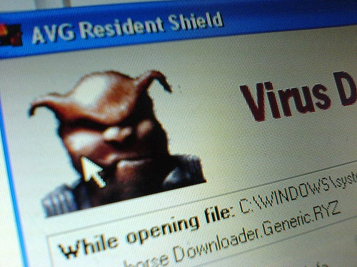 Google Publicly Pulls Microsoft Up On Security Flaw In XP