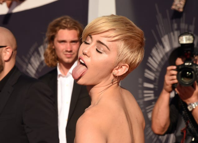 Miley Cyrus: Instagram Will Hurt Your Brain More Than Weed