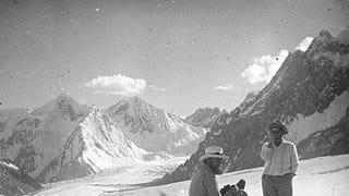 Mókás viktoriánus sátánista ment először megmászni a K2-t