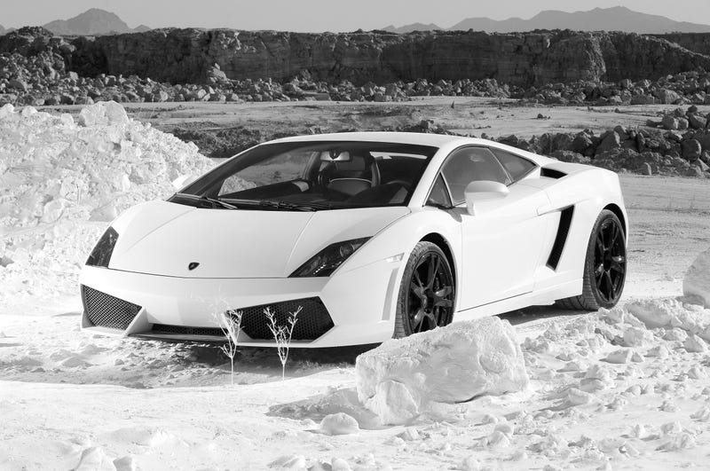 Fifth Gear Plows Lamborghini Gallardo LP560-4 Through The Snow
