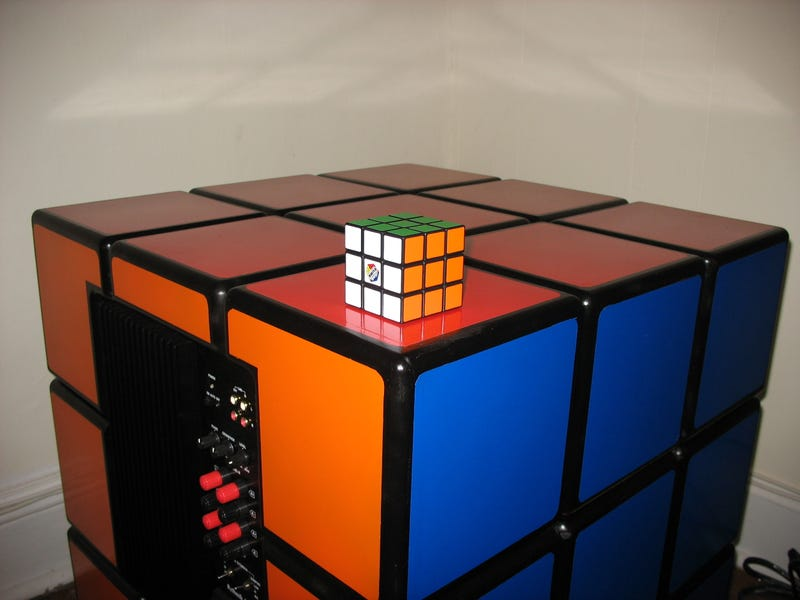 Build Your Own Rubik's Cube Subwoofer in 164 Easy Steps