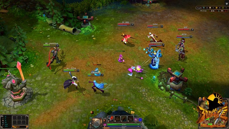 This is 300 Heroes, The Most Incredible League Of Legends Clone