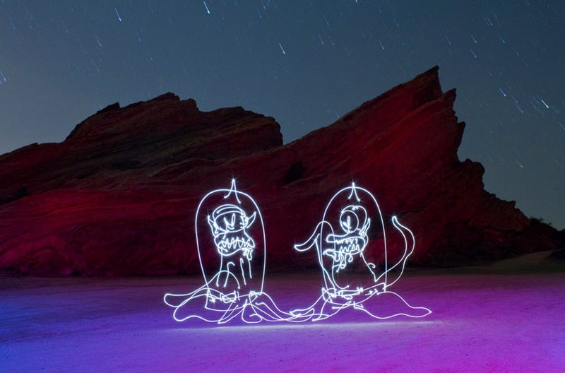 A Glowing Light Painting of The Simpsons' Kang and Kodos