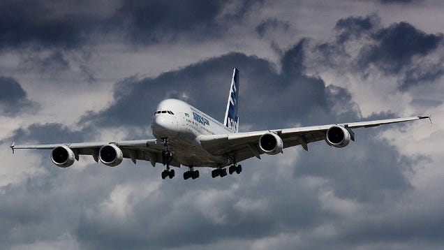Qantas Grounds an A380 Because of Cracks in Its Wings