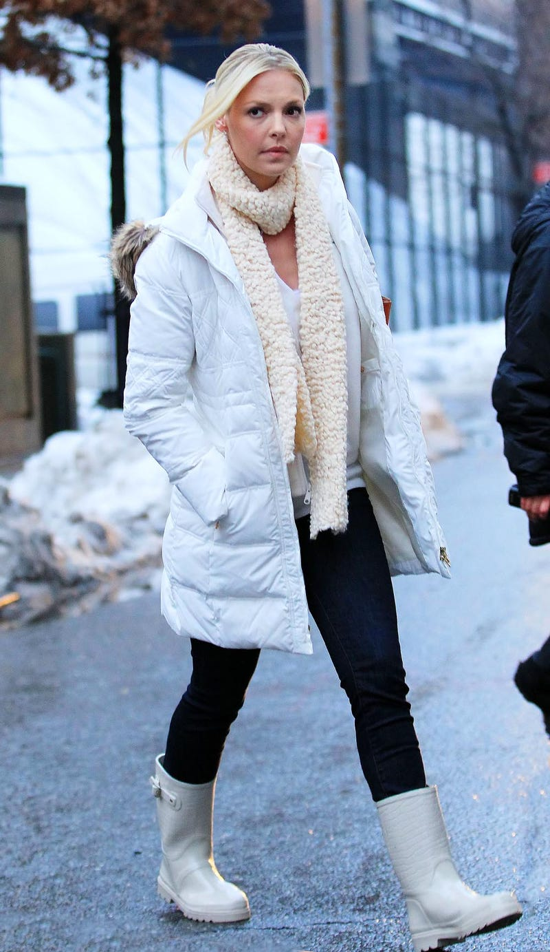 Katherine Heigl's Coat Forecasts 6-12 Inches of Snow