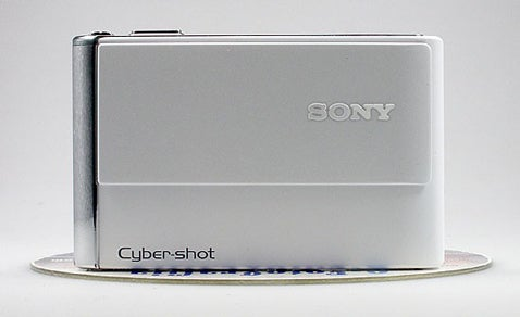 Sony Adds To CyberShot Lines With DSC-T70 And DSC-T200