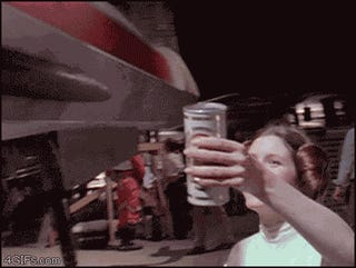 GIF of the Day: Princess Leia Hands Luke Skywalker a Cold Beer