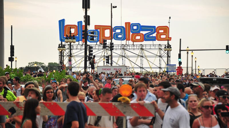 Insane Asshole Physically Assaults 11-Year-Old Girl for Lollapalooza Beach Ball
