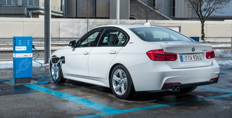The BMW 330e iPerformance Is BMW's Expensive Tesla Model 3 Fighter