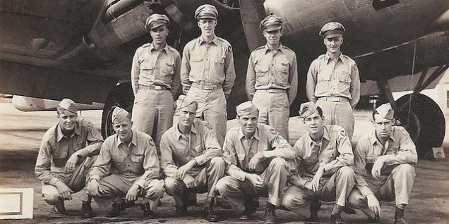 """The Tale Of The B-17 """"Blind Date"""" Crew"""