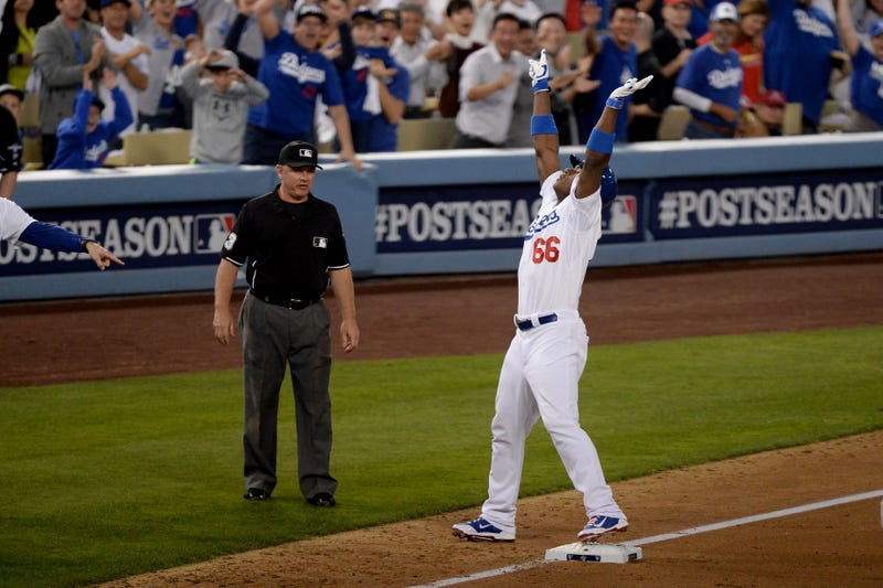 """Cardinals Complain About Dodgers' """"Mickey Mouse"""" Celebrations"""