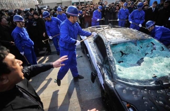 Chinese man destroys his own Lamborghini with a sledgehammer