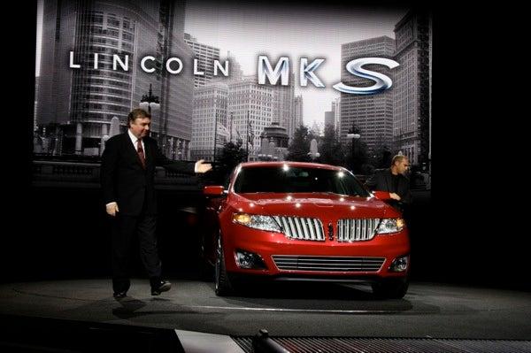 LA Auto Show: Lincoln MKS Revealed Live