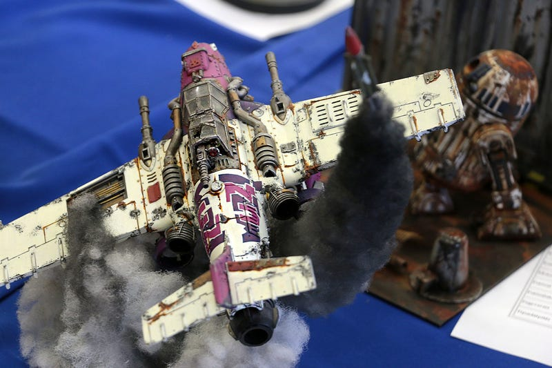 Incredible Scale Models of War Scenes, from World War II to Warhammer 40K