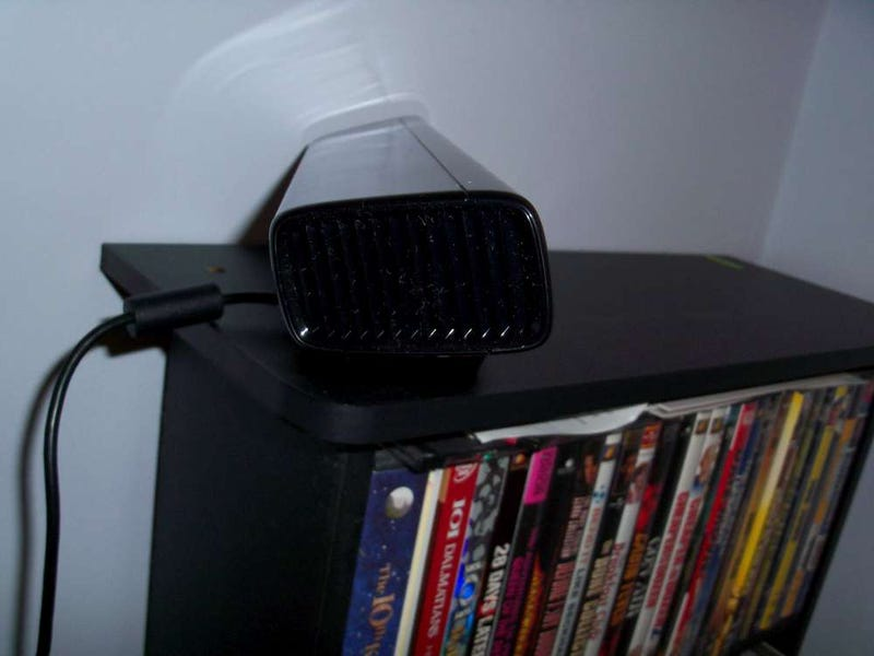 First Look At That HUGE Beta Kinect Camera in the Wild
