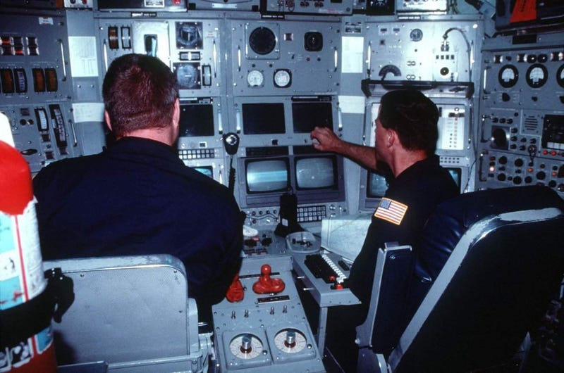"""The Super-Secret """"Research"""" Sub That Helped Win the Cold War"""