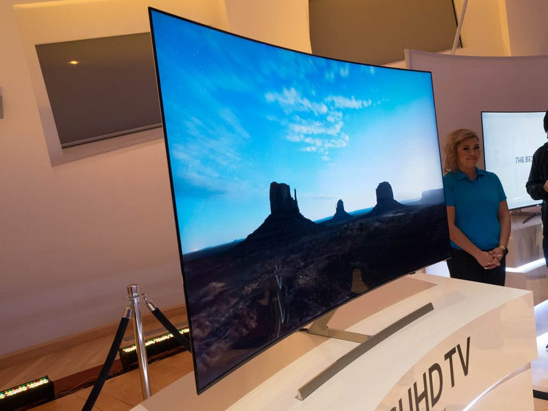 Samsung's Quest to Kill the Bezel on Televisions