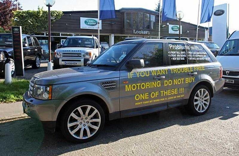 Range Rover Owner Advertises Faults On Lemon Parked Outside Dealer