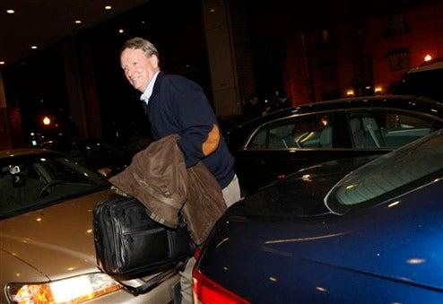 Mr. Wagoner Makes It To Washington, Driving Volt Mule To Morning Senate Hearing